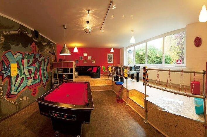 jugend frei raum wunschbaum. Black Bedroom Furniture Sets. Home Design Ideas