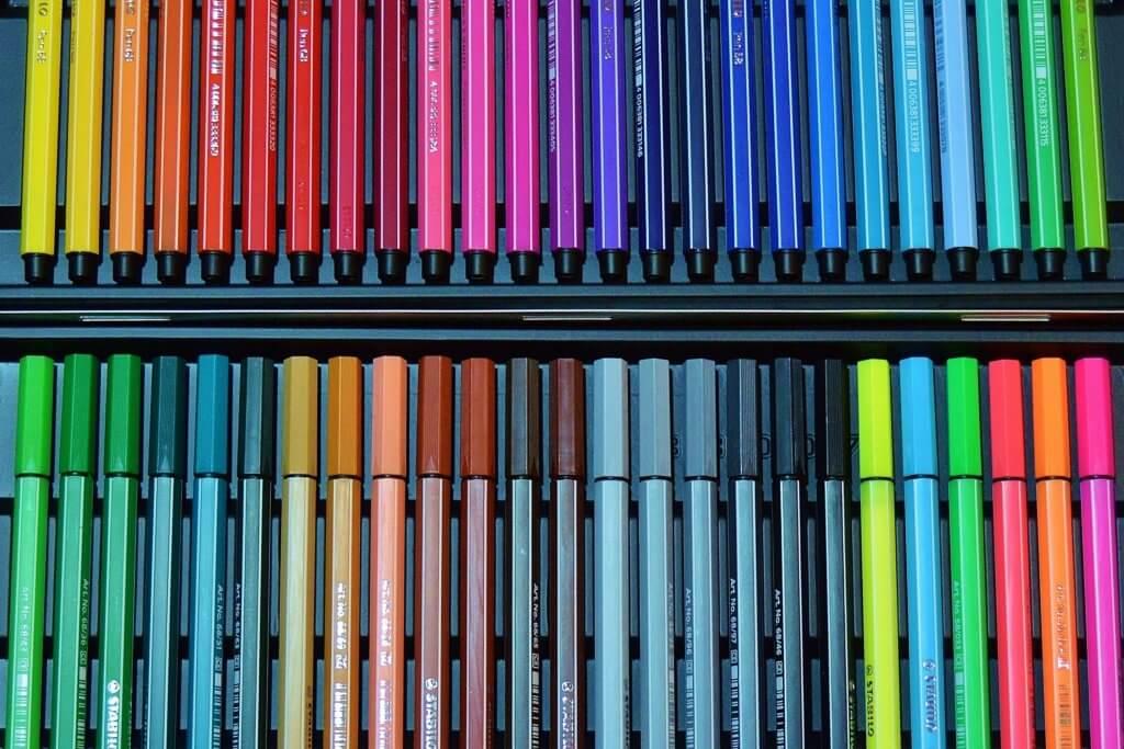 colour-pencils-591656